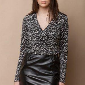 Bluza cu decolteul in V si imprimeu TDRI-ANIMAL PRINT - Bluze si topuri -